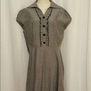 Sweet gray dress with black heart buttons. Euc.